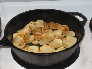 cast-iron-skillet-potato-chips