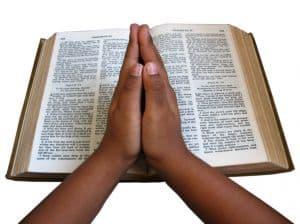 bible-prayer-hands