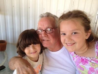 dad-cone-grandkids