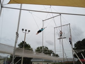 Club-med-trapeze