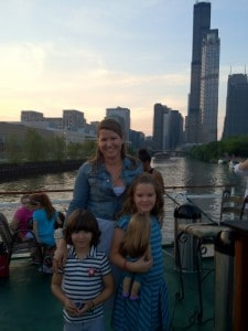 chicago-river-cruise-cone-family