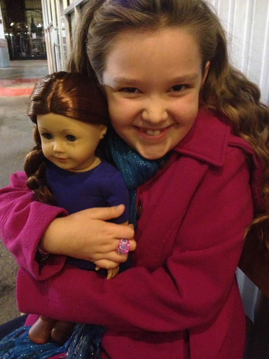 A Saige American Girl giveaway & art scavenger hunt