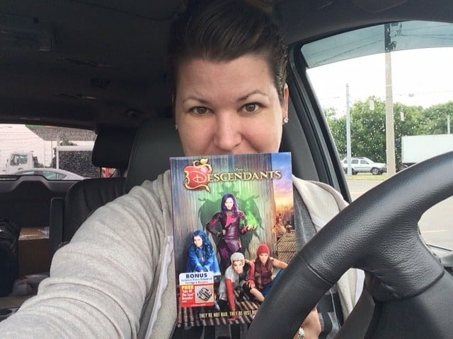 The Daily Dash: August 10, 2015 {@Descendants2015 DVD Review}
