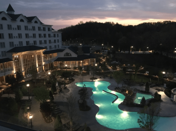 Dollywood-DreamMore-Resort-sunset