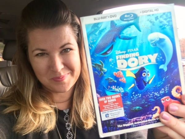 The Daily Dash: November 15, 2016 {Strange Parenting & Finding Dory}