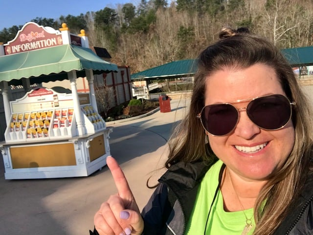 The Daily Dash: March 16, 2018 {#DollywoodInsiders, #UNCbasketball & #beLieve}
