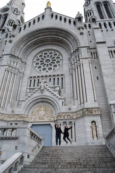 quebec-city-cathedral-couple-jump