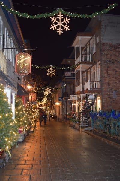 quebec-city-petit-champlain-snowflake-street