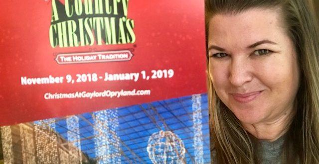 The Daily Dash: July 17, 2018 {@GaylordOpryland #ACountryChristmas & My Birthday} #Opryland #VisitI