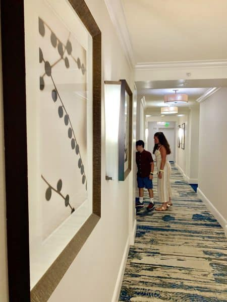 palm beach marriott singer island hallway